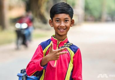 Siem Reap Selling Kid Finds Fame, Most Don't