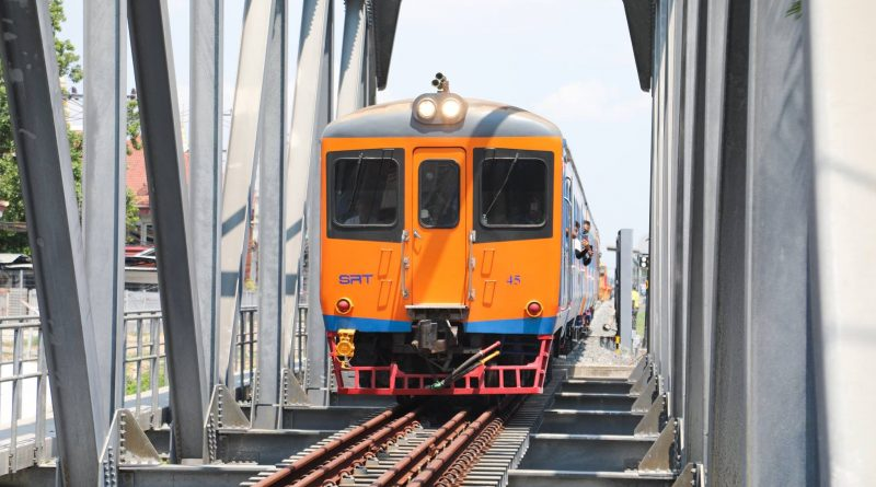 Thai Locomotives Arrive for Testing