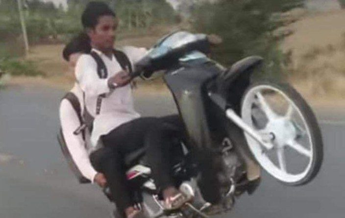 Freewheeling Youths Ticked Off in Banteay Meanchey