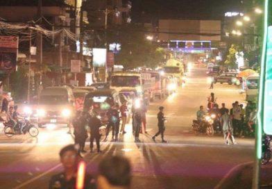 Kampot Crash Causes Traffic Backlog