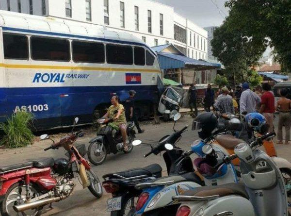 Train Hits Passapp In Toul Kork
