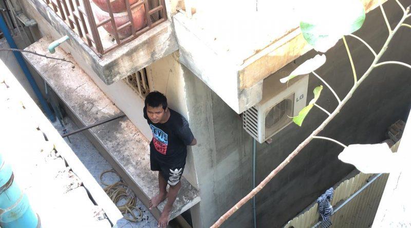 Paroled Man Threatens To Jump