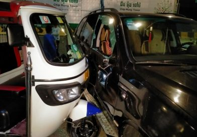 Driverless Tricycle Tuk Tuk Takes Out BMW