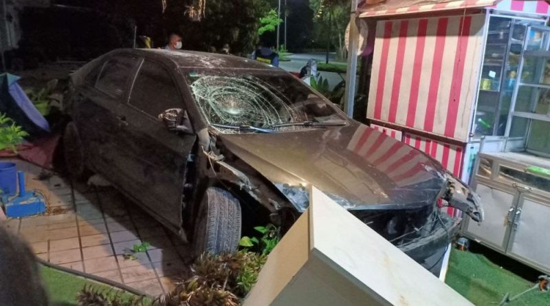 RCAF Plated Camry Hits Motos & Coffee Shop