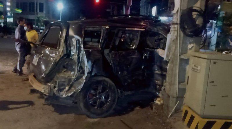 Dead & Injured After Ambulance Crashes Into Highlander